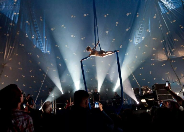 Circus Acts & Performers for Hire | Elastic-Lounge